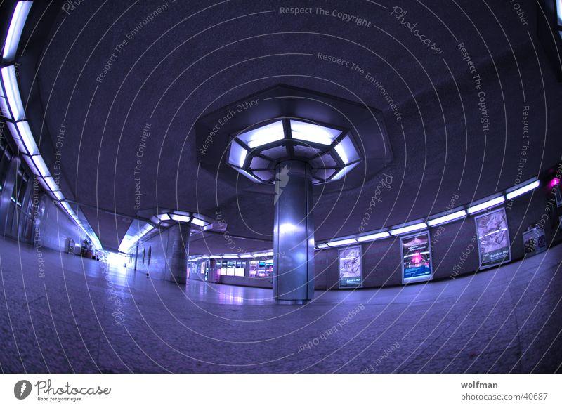 Blue Space blau Raum Architektur Köln Bahnhof Lagerhalle Flur Säule Neonlicht Steinboden