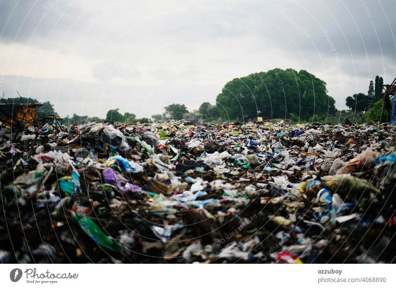 Mülldeponie Verschmutzung Deponie Umwelt Müllhalde Abfall Entsorgung dreckig Kunststoff Ökologie Haufen Trödel wiederverwerten Recycling Industrie