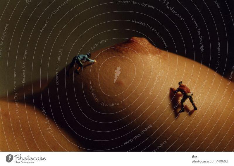 Bergsteiger auf Brust (2) Akt Frau Schnee feminin Erotik Berge u. Gebirge Eis Frauenbrust Klettern Gipfel Brust Bergsteigen Bergsteiger Brustwarze Mensch Sexualität