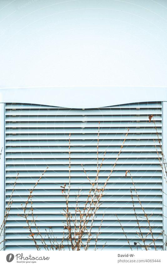 Luftwärmepumpe in weiß Wärmepumpe Energiewirtschaft Luft-Wasser-Wärmepumpe Umweltschutz Wärmegewinnung innovativ ökologisch Heizung heizen umweltfreundlich