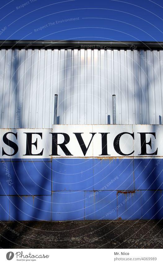 Service Gebäude Kundendienst Dienstleistung Kundenservice Serviceleistung Schild Typographie Hinweisschild Schilder & Markierungen Wort Text Werkstatt