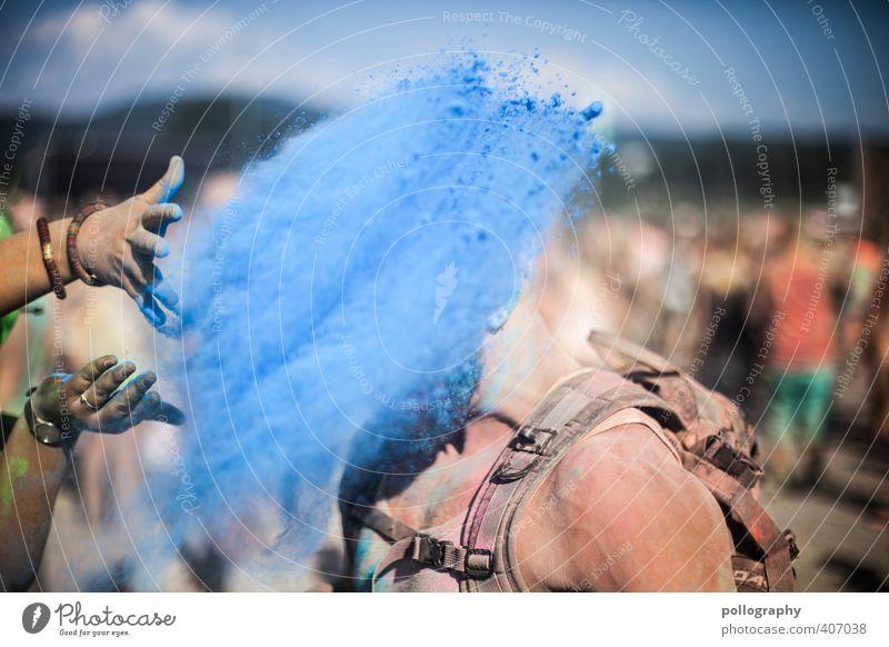 einmal Luft anhalten bitte... Mensch Himmel Mann Jugendliche Sommer Hand Freude Wolken Erwachsene Junger Mann 18-30 Jahre Leben Farbstoff Feste & Feiern Party
