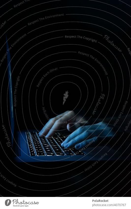 #As# Der Mann im Schatten.. Checkt auch deinen Chat! Hacker Hackerangriff Hacker-Angriff Tastatur Tastatur mit LED-Beleuchtung Internet Internethandel