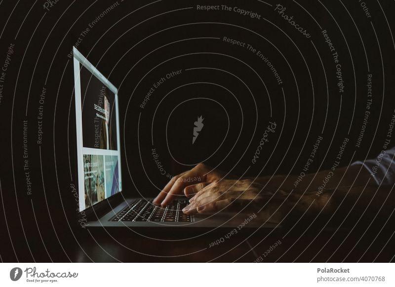 #AS# Nächtliches Update photocase laptop Rechner Hände Finger Bildschirm Bildschirmzeit Internet prokrastinieren Tastatur Fotoserie Datenbank SHOPPING shoppen