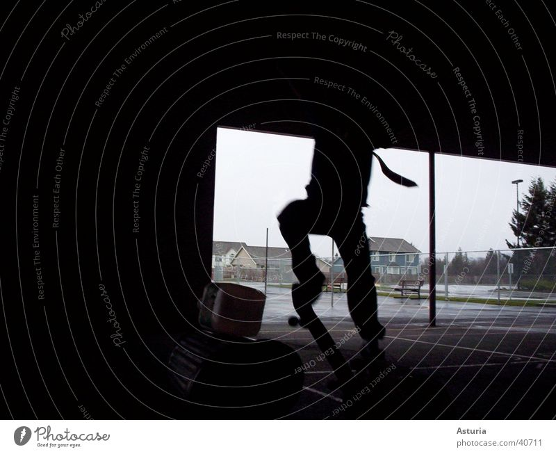 jump! springen Silhouette Krawatte schwarz Müllbehälter Skateboarding Fass Mann Schatten Detailaufnahme fliegen hoch