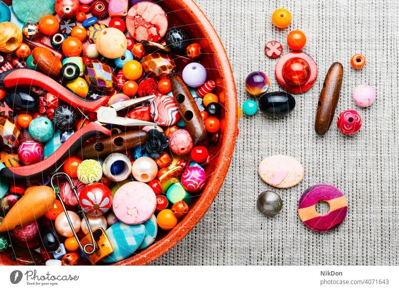 Perlen-Schmuckherstellung Wulst Herstellung Sicken Bijouterie handgefertigt Kulisse Basteln mehrfarbig Mode aufgereiht Dekoration & Verzierung farbenfroh