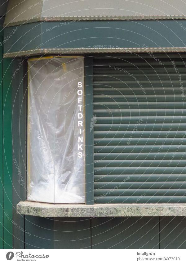 Softdrinks verkaufen Imbissbude Lebensmittel trinken geschlossen verkaufsstand Rolladen zu Geschäftsaufgabe pleite coronavirus grün dunkelgrün Streifen Muster