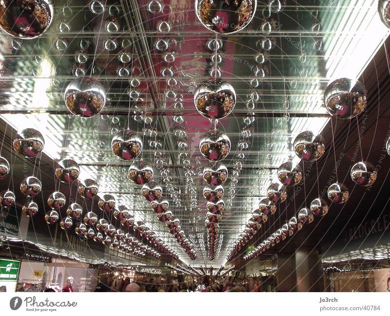 Silberkugeln Weihnachten & Advent Schmuck Licht silber Christbaumkugel Weihnachtsdekoration