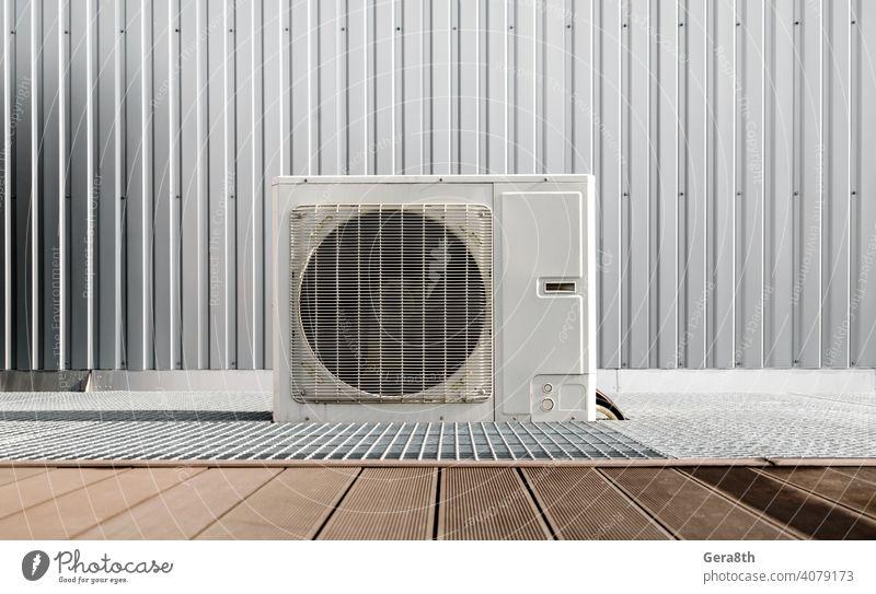 ein modernes Klimagerät in Nahaufnahme Air Klimaanlage Hintergrund Gebäude kreisen Klimatechnik schließen abschließen kalt Kompressor Voraussetzung