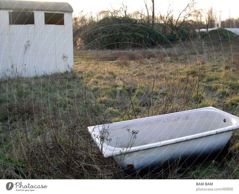 Blechwagon und Badewanne 02 Haus Wiese Dinge Versteck Sinti Siedler von Catan