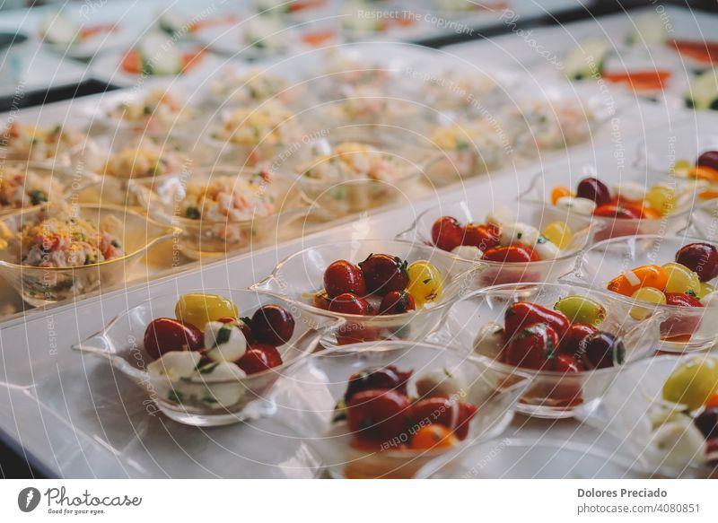 Kostenloses Buffet mit Desserts und Früchten in einem Hotel organisch Frucht roh Studioaufnahme Frühstück genießen Vegane Ernährung Farbfoto vitaminreich