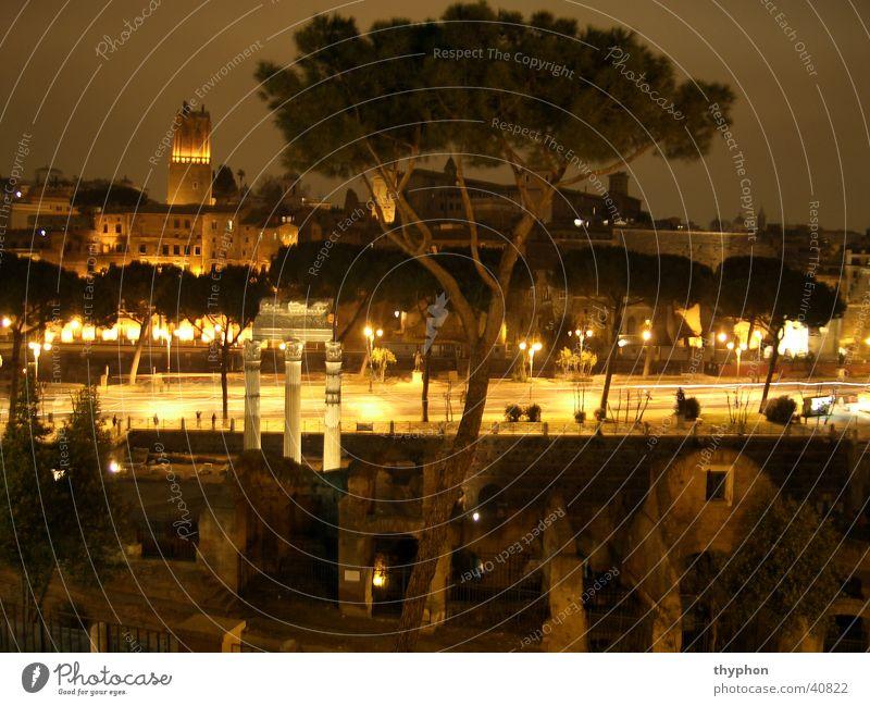 Forum Romanum bei Nacht Europa Italien Säule
