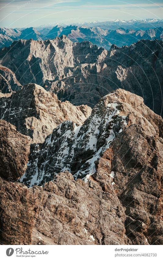 Panoramablick von der Zugspitze V Schneelandschaft Strukturen & Formen Österreich Umweltbilanz Umweltsünder Zerstörung Gletscher Schneebedeckte Gipfel Felsen