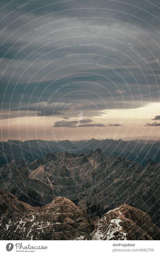 Panoramablick von der Zugspitze I Schneelandschaft Strukturen & Formen Österreich Umweltbilanz Umweltsünder Zerstörung Gletscher Schneebedeckte Gipfel Felsen