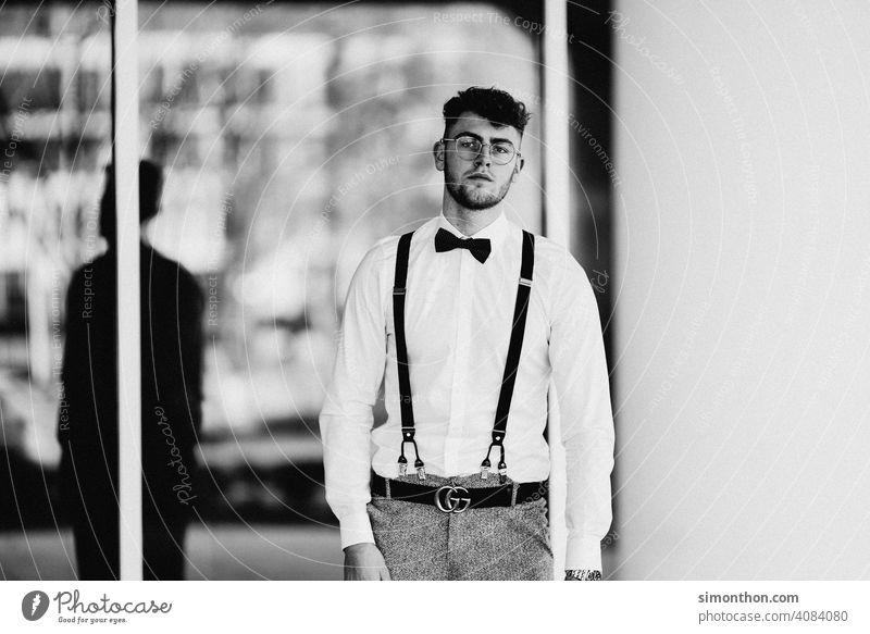 Model Porträt maskulin Erwachsene Hemd Hosenträger Lifestyle 18-30 Jahre Junger Mann Coolness Stil attraktiv modisch Haare & Frisuren Student gutaussehend