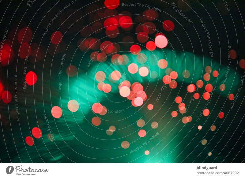 Bokeh ... ボケ (5 - grün/rot 2) unscharf Unschärfe Menschenleer Licht Lichterscheinung Kontrast verschwommen Farbe Farbfoto Farbbild hell Hintergrund abstrakt