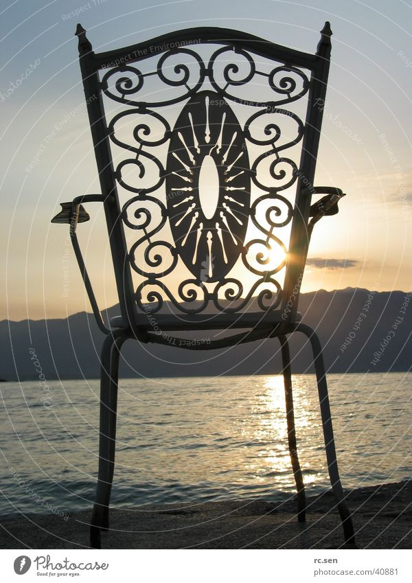 Stuhl im Morgenlicht Meer Romantik Stuhl Freizeit & Hobby