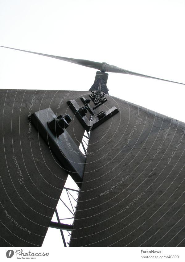 Rotor Windkraftanlage groß Stahl Konstruktion Macht Zukunft Luft Elektrizität Wissenschaften Energiewirtschaft Stromkraftwerke Natur Berge u. Gebirge