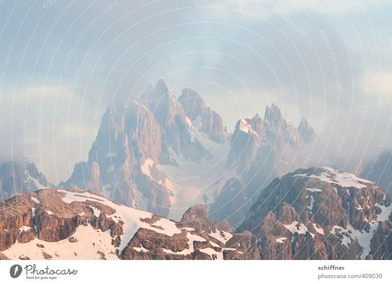 60er-Jahre Filmkulisse Natur Landschaft Wolken Umwelt kalt Berge u. Gebirge Schnee Felsen träumen rosa Eis Wetter Schönes Wetter ästhetisch Frost Gipfel