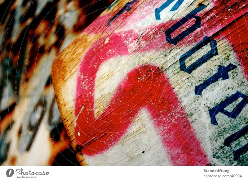 Altes Schild alt Graffiti Schilder & Markierungen Schriftzeichen historisch Typographie