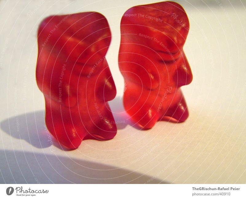 Verliebte Bären Gummibärchen rot süß 2 Zusammensein passen geben Sehnsucht Ergänzung trösten Reinigen süssikeiten Liebe gehören Ernährung red Schatten Partner