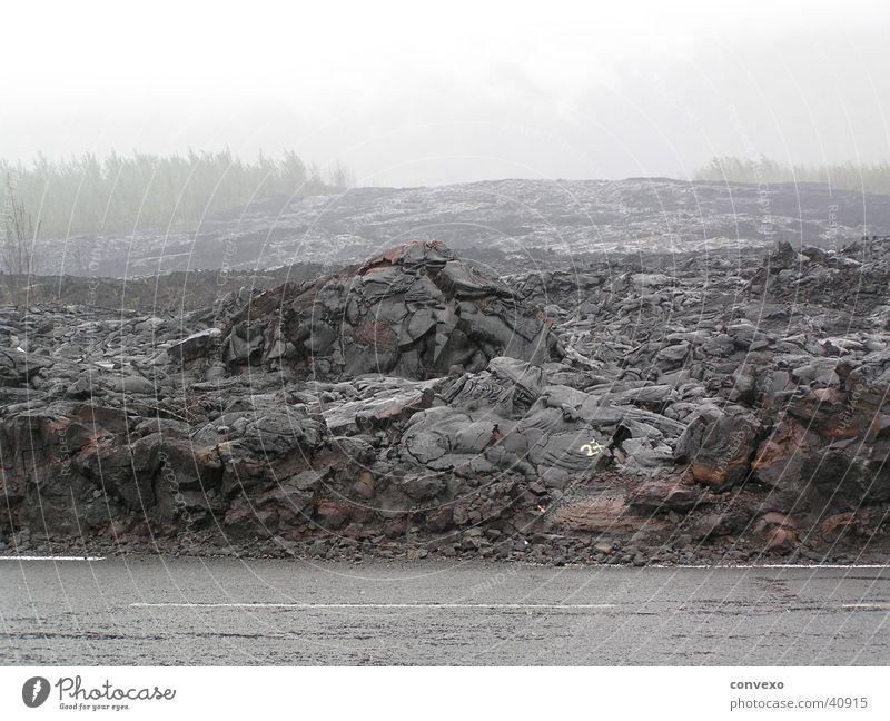 Lava Berge u. Gebirge grau Regen Nebel Vulkan