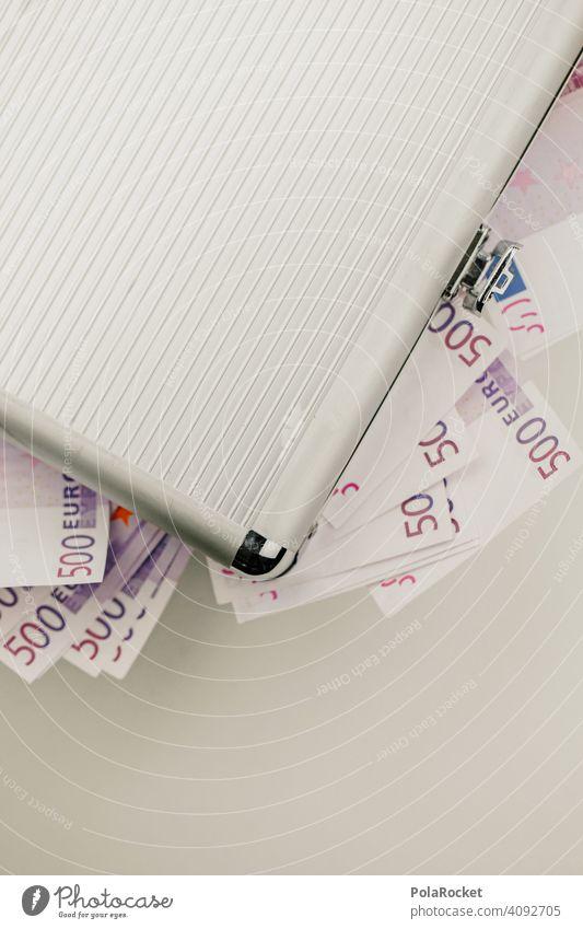 #A0# Koffer voller Geld. Man wird ja wohl noch verreisen dürfen.. papiergeld Währungsreform Währungsunion währung europäisch Europäische Union Euroschein