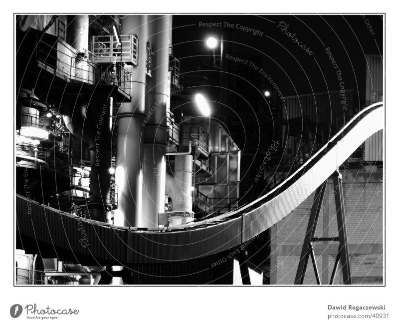 Industriekultur Umwelt Lichtspiel Fabrik diagonal Stahl Produktion silber Schwarzweißfoto Technik & Technologie kalkwerk Kunstwerk Metall