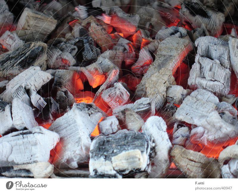 Heissi sach heiß Dinge Ehemaliges Feuer Glut Brandasche kein Blitz leuchten