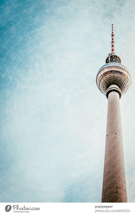 Berliner Fernsehturm Alexanderplatz Turm Wahrzeichen Himmel Hauptstadt Architektur Sehenswürdigkeit Stadtzentrum Berlin-Mitte Bauwerk Tourismus Außenaufnahme