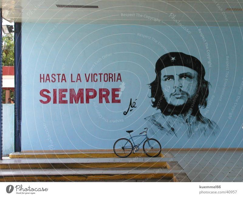Hasta la Victoria Siempre blau Wand Fahrrad Kuba Gemälde Wiedervereinigung Zeichnung Südamerika Busbahnhof