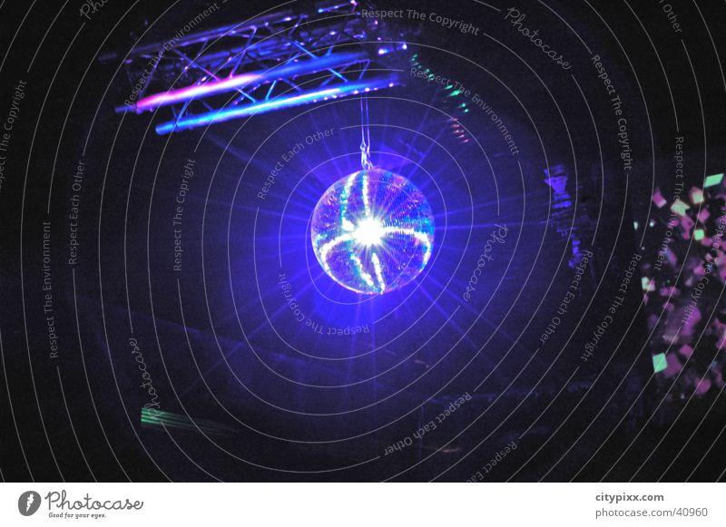 Discoball blau Licht Party Discokugel Strahlung Club Beleuchtung lights Reflexion & Spiegelung Kugel Reaktionen u. Effekte Lichtstrahl