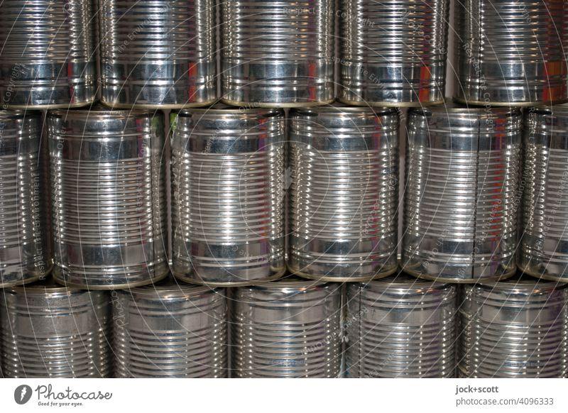 Reihen von Konservendosen ohne Etikett glänzend Symmetrie Anordnung Behälter u. Gefäße Strukturen & Formen Sammlung Design Detailaufnahme Aluminium Metall viele
