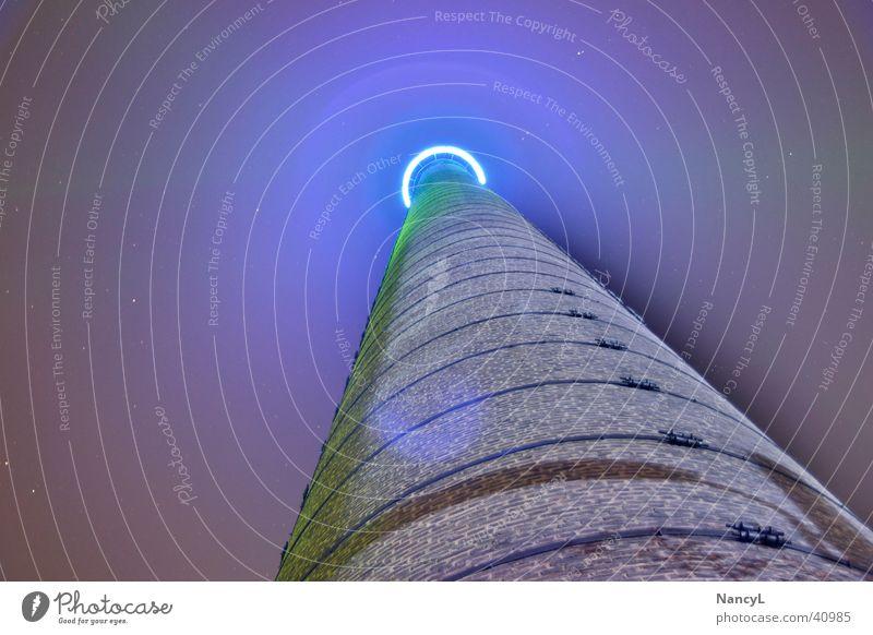 Himmel in Blau blau Ruhrgebiet Industrie Schornstein Duisburg Nachtaufnahme