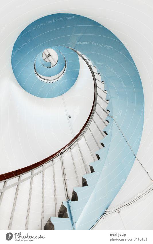Spiral-O-Mat Wendeltreppe Seefahrt Dänemark Menschenleer Leuchtturm Gebäude Architektur Treppe Sehenswürdigkeit Linie ästhetisch hell positiv schön blau weiß