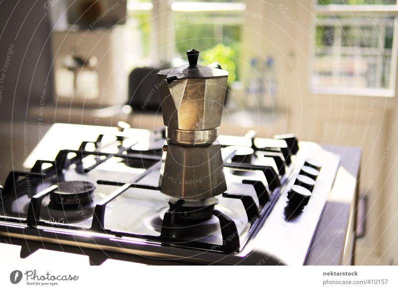 Coffee maker and stove Italienische Küche Kaffee Espresso Sonne Feuer Herd & Backofen machen frisch schwarz Tradition Kaffeemaschine Espressokocher Mokka Benzin