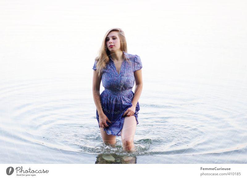 Wasserelfe (XX) Mensch Frau Natur Jugendliche schön Sommer Meer Erholung ruhig Junge Frau Mädchen Erwachsene 18-30 Jahre Leben feminin Bewegung