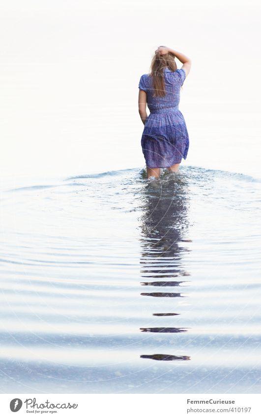 Wasserelfe (IX) schön Gesundheit Wellness Leben harmonisch Wohlgefühl Sinnesorgane Erholung ruhig feminin Mädchen Junge Frau Jugendliche Erwachsene 1 Mensch