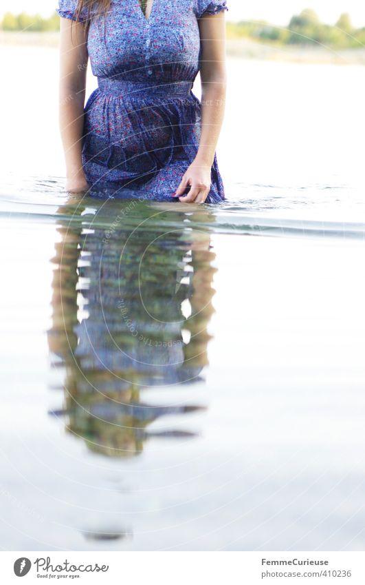 Wasserelfe (XXI) Mensch Frau Natur Jugendliche schön Wasser Pflanze Sommer Erholung Junge Frau Erwachsene kalt 18-30 Jahre Wärme Leben feminin
