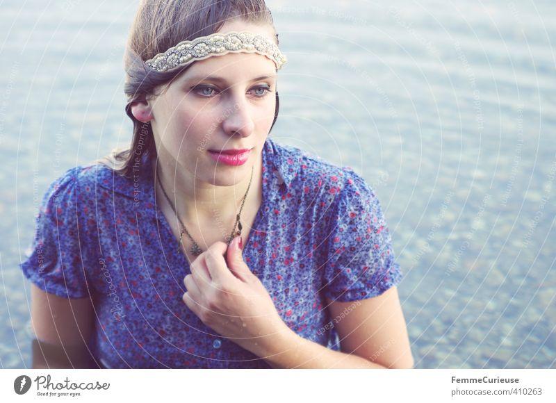 Wasserelfe (XIX) Mensch Frau Natur Jugendliche blau schön Erholung Junge Frau Mädchen Erwachsene 18-30 Jahre feminin Stil See Zufriedenheit nass