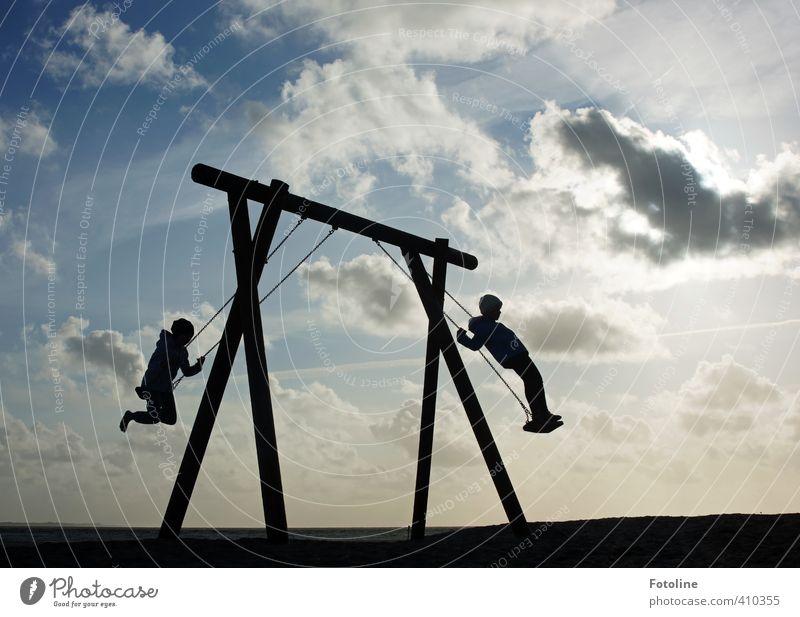 Hach, noch einmal Kind sein! Mensch Geschwister Kindheit 2 Umwelt Natur Landschaft Himmel Wolken frei Fröhlichkeit hell blau schwarz weiß Spielplatz Schaukel