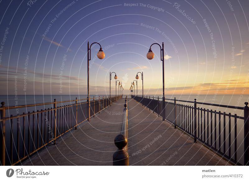 Laufbahn Landschaft Himmel Wolken Horizont Sonnenaufgang Sonnenuntergang Wetter Schönes Wetter Küste Meer Menschenleer blau gelb gold grau Seebrücke