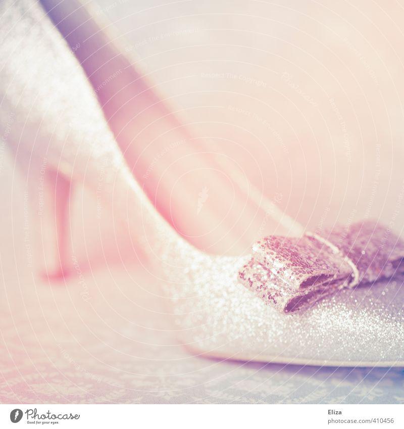 Cinderella schön Mode glänzend elegant Romantik verträumt Märchen schick Schleife Pastellton Damenschuhe Fetischismus Schuhe mädchenhaft Aschenputtel
