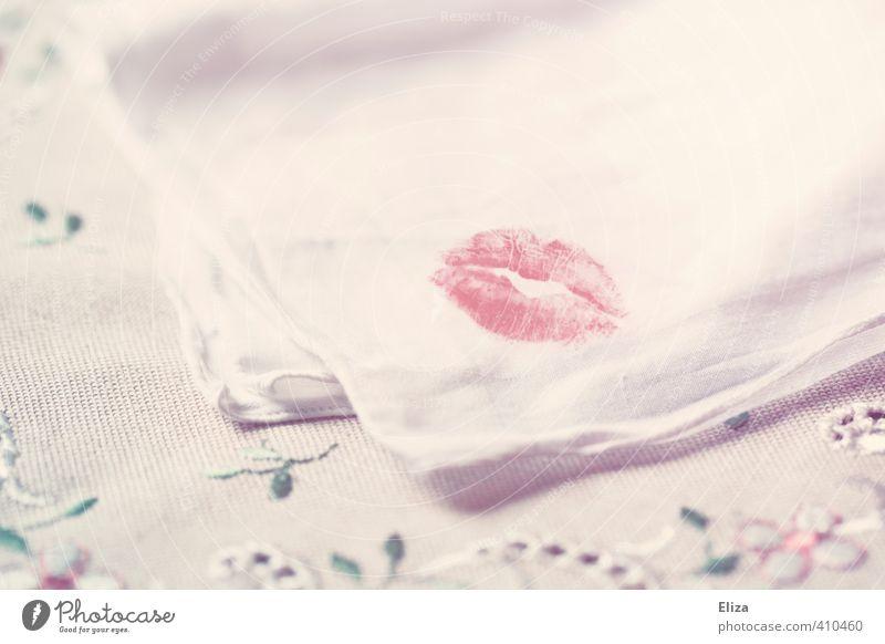 Lippenbekenntnis Kussmund Küssen Taschentuch Liebe Lippenstift Stickereien Abdruck Liebesaffäre betrügen Liebespaar rot zart weiß sanft Erinnerung Souvenir