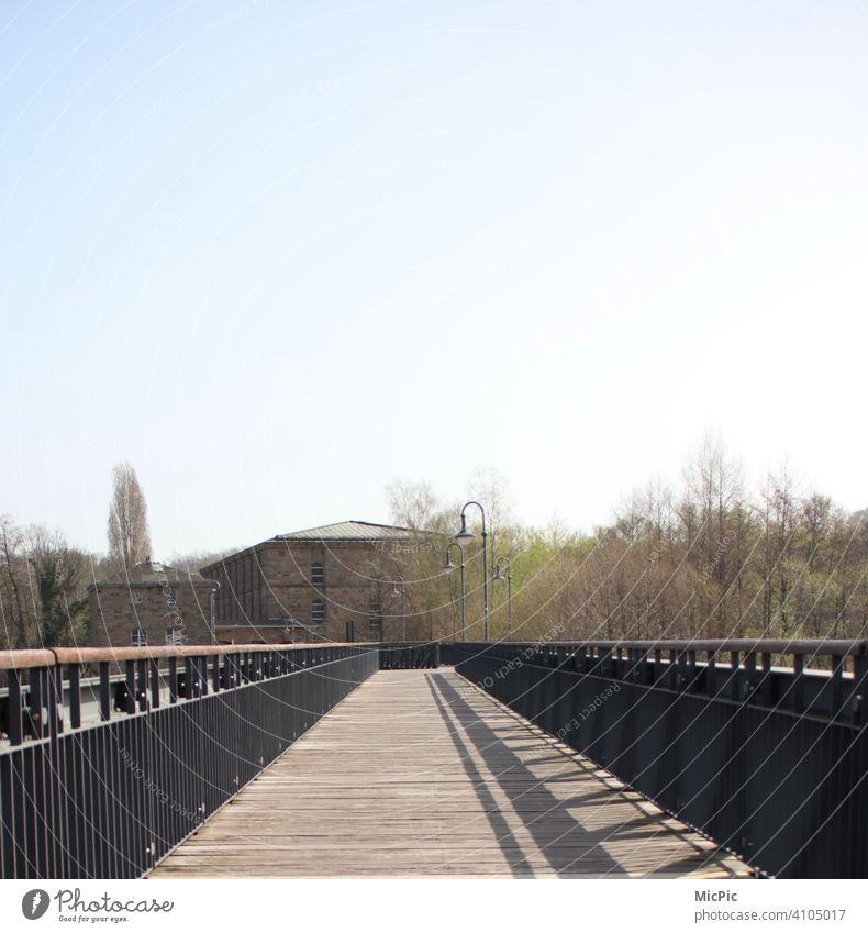 """""""Auf dem Holzweg"""" Brücke Holz historisch mit Laternen Brückengeländer bridge wood Historische Bauten Außenaufnahme Farbfoto Architektur Menschenleer alt Bauwerk"""