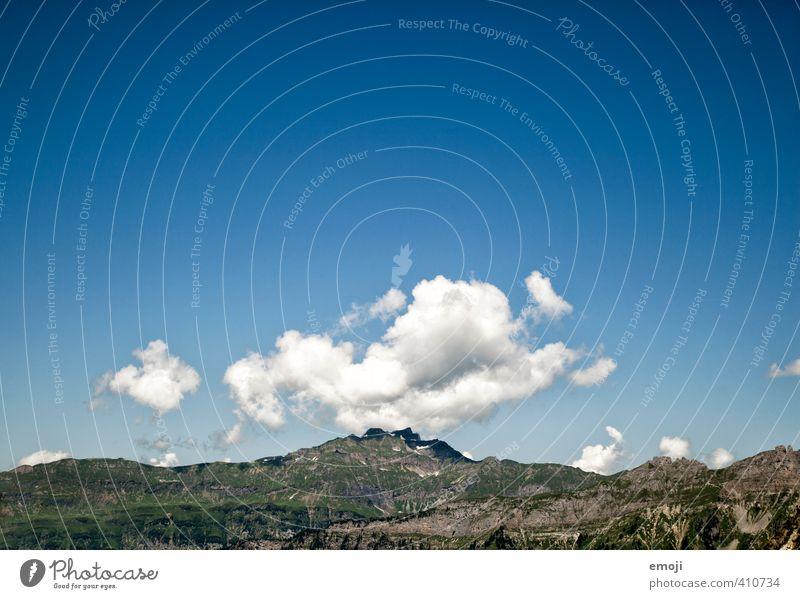 heiter bis wolkig Umwelt Natur Himmel Sommer Schönes Wetter Berge u. Gebirge Gipfel natürlich blau Farbfoto Außenaufnahme Menschenleer Textfreiraum oben Tag