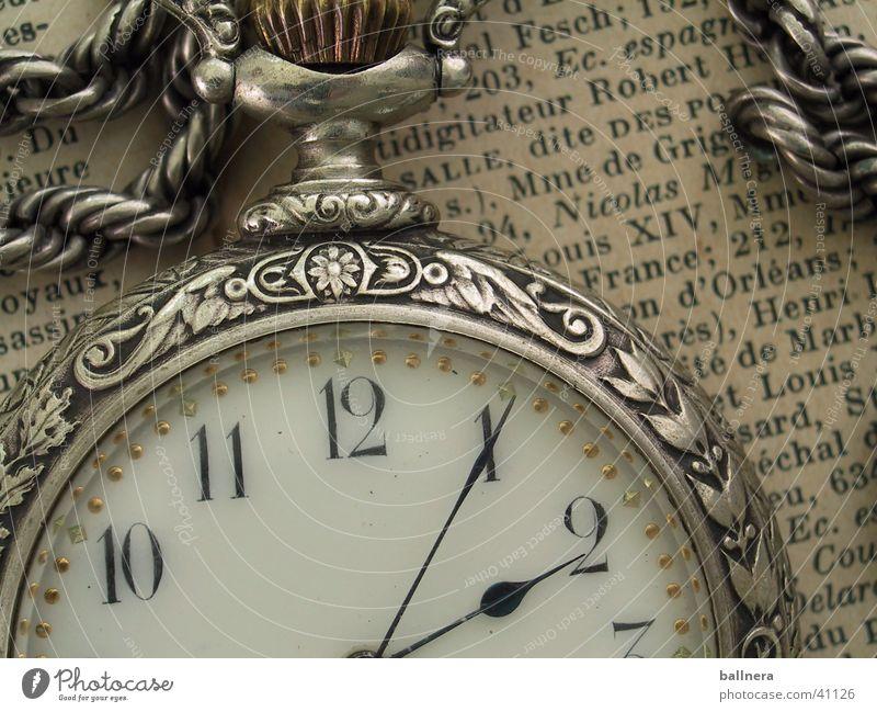 clock Zeitung time news hour object