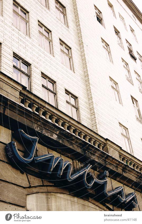 imbiss bei stalin alt Gebäude historisch Imbiss