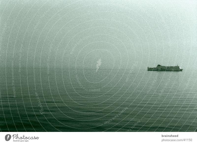 einsam in die zukunft Horizont Schifffahrt Ostsee Dänemark Fähre geradeaus