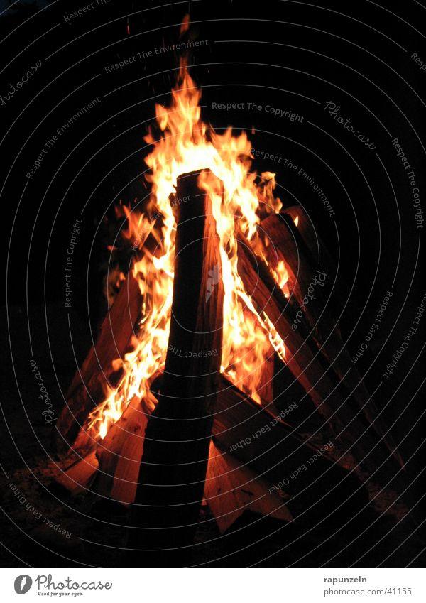 On Fire... Brand Club brennen Flamme Feuerstelle